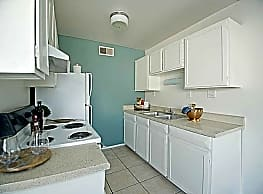 Veranda Apartment Homes - Glendale