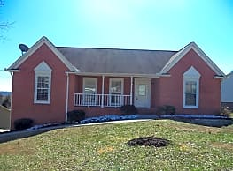 This 3 bedroom, 2 bath home has 1300 square feet o - Knoxville
