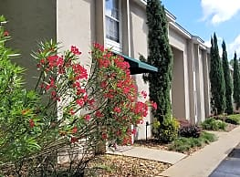 Steeple Club Apartments - Tallahassee