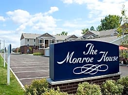 Monroe House Apartments - Columbus