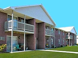 Deerbrook Apartments - Green Bay