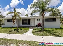 Completely renovated 3/2.5 with wide open floor... - Miami