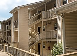 Landmark at Lyncrest Reserve Apartment Homes - Nashville