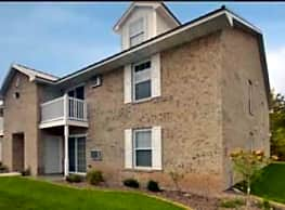 Deerfield Village Apartments - Oshkosh
