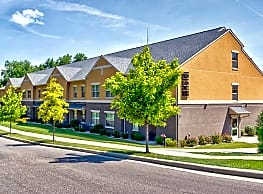 Irish Flats Apartments - Per Bed Leases - South Bend