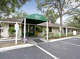 Grand Oaks Apartment Homes - Riverview