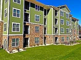 Luxury Apartments at Foxwood - Raleigh
