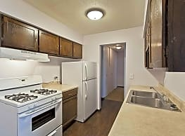 Hunter's Ridge Apartments - Shakopee