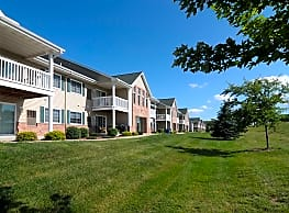 Honey Creek Apartments - East Troy