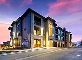 Touchstone Modern Apartment Homes - Broomfield