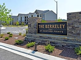 The Berkeley At Medford Pointe Apartments Greenville Nc