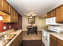 Forest Park Apartments - Grand Forks