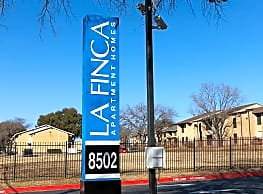 La Finca Apartments - Dallas