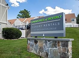 The Townhomes Of Beverly - Beverly