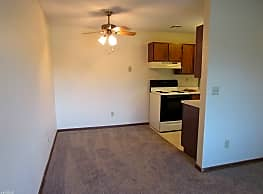 Oakridge Apartments - Large 2-BR Ready Now - Wyoming