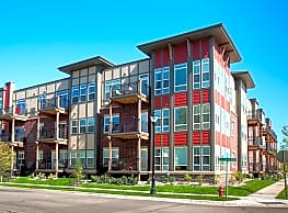 5 Central Apartments - Osseo