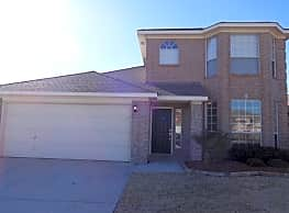 This 3 bedroom, 2.5 bath home has 1730 square feet - Fort Worth