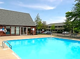 Pierpont Apartments - Westerville