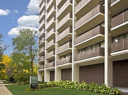 Fountainview Apartments - Shorewood