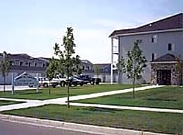 Brandy Hill Center Apartments - Fargo