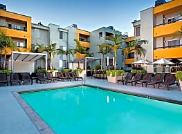 The Crescent at West Hollywood - West Hollywood