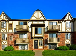 Perry Place/Grand Bend Club - Grand Blanc
