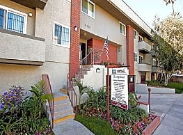 The Diplomat Apartments - Studio City