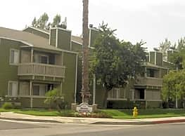Royal Gardens Apartments - Hemet