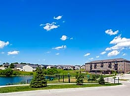 Walnut Lake Apartments - Urbandale