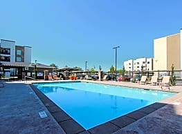 Canyon View Crossing Apartments - Orem