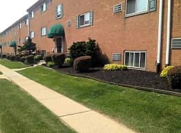 Holly Garden/Ridley Park Court Apartments - Norwood