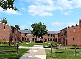Village Square Apartments - Bensalem