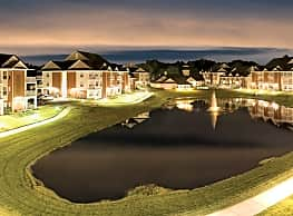 Falcon Creek Luxury Apartments - Hampton