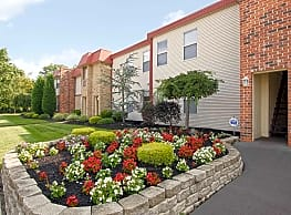 Robin Hill Apartments - Voorhees