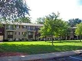The Courtyards At Roselawn Park - Indianapolis