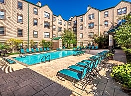 Canal Square Apartments - Indianapolis
