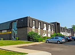 Arlington Village Townhomes and Flats - Fairborn