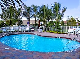Mirage Bay Apartments - Fort Myers