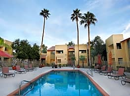 Country Gables Apartments - Glendale