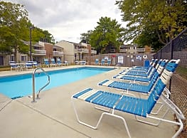 Harbour Town Apartments on Morse Lake - Noblesville