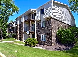 The Pines Apartments & Townhomes - Fitchburg