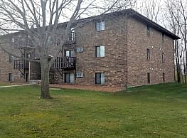 Cedar Creek Apartments - Oshkosh