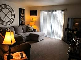 Richfield Apartments - Grand Forks