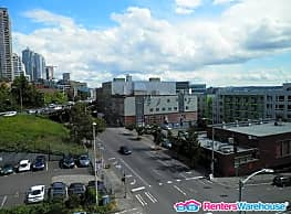 Controlled access building - 2 bdrm condo in... - Seattle