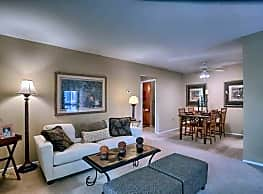 Treeview Apartments - Harrisburg
