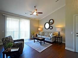 The Reserve at Green Luxury Apartments - Akron
