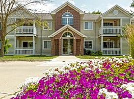 Crown Pointe Apartments - West Des Moines