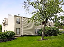 Lake Eden Apartments and Townhomes - Columbus