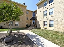 The Berkdale Apartments - Herndon