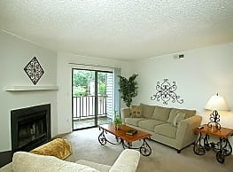 Stonesthrow Apartment Homes - Greenville